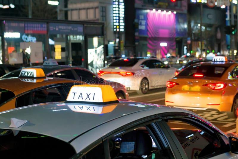 等待顾客的出租汽车 免版税库存照片