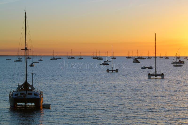 筏达尔文澳大利亚日落 库存图片