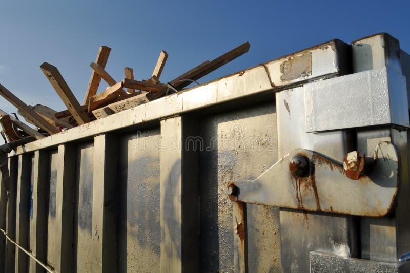 建筑大型垃圾桶 免版税库存照片
