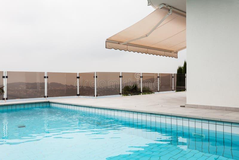 建筑学丝毫水池 库存照片