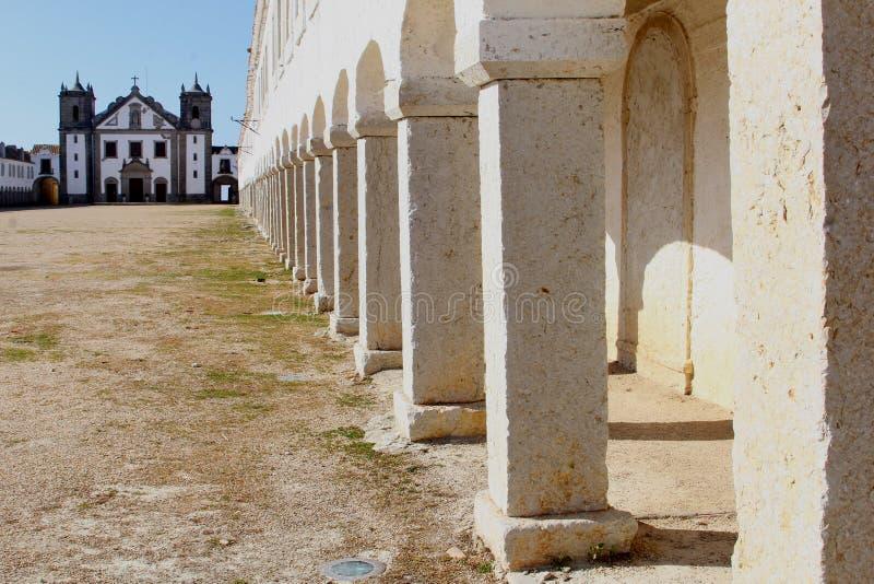 建筑学修道院Sesimbra阿连特茹,葡萄牙 免版税库存图片