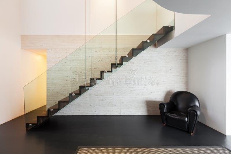 建筑学,一栋现代别墅的美好的内部 库存图片