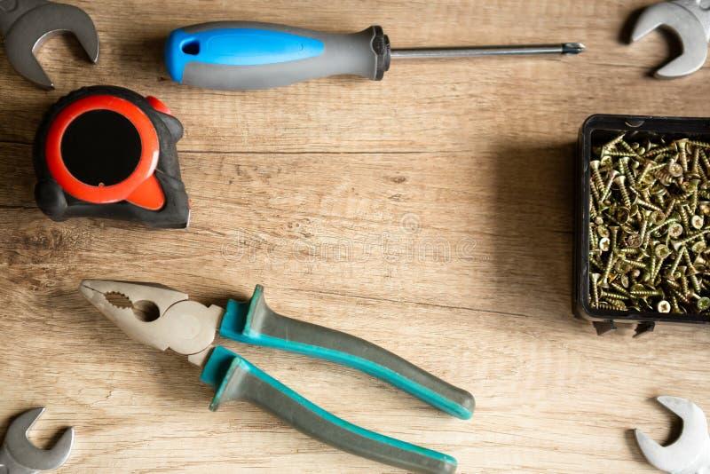 建筑锤子用工具加工视窗 免版税库存照片