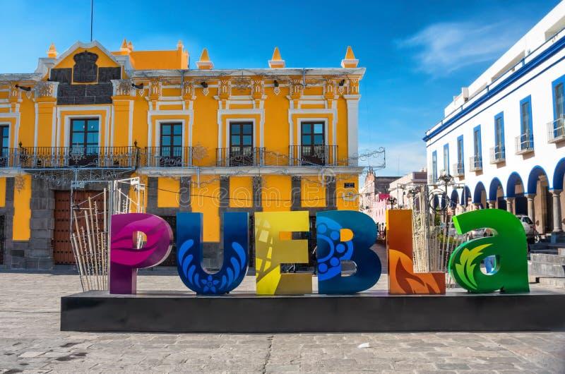 签署普埃布拉在街道在普埃布拉,墨西哥 库存图片