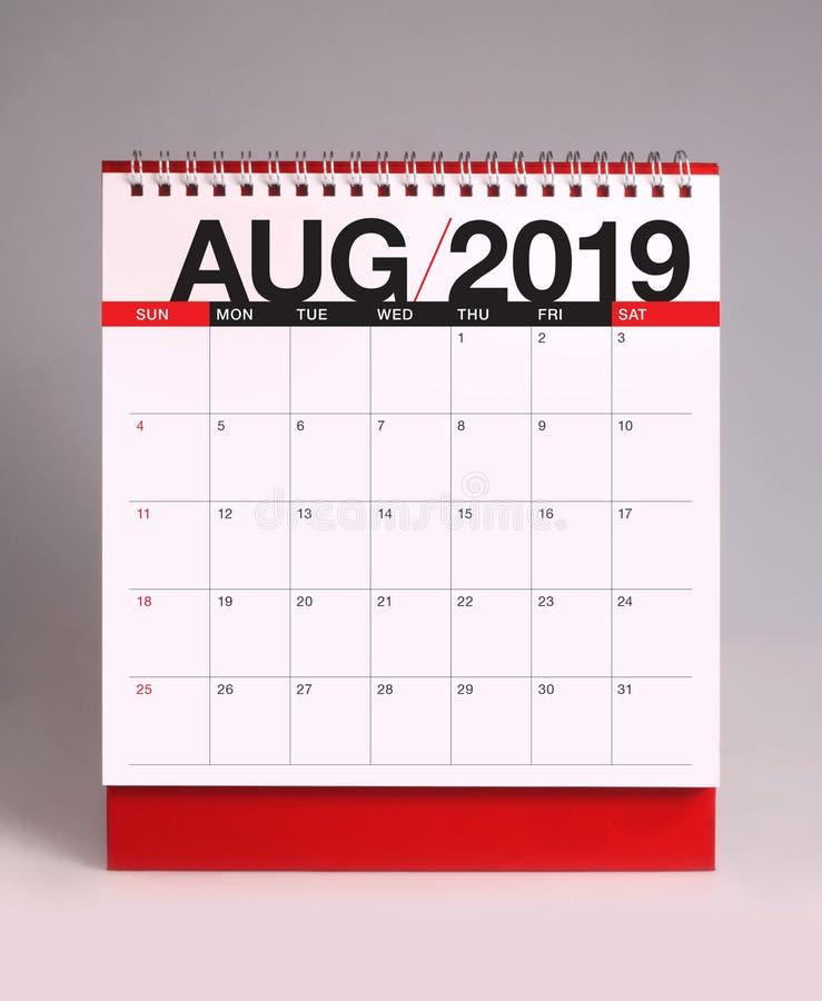 简单的桌面日历2019年- 8月 库存照片