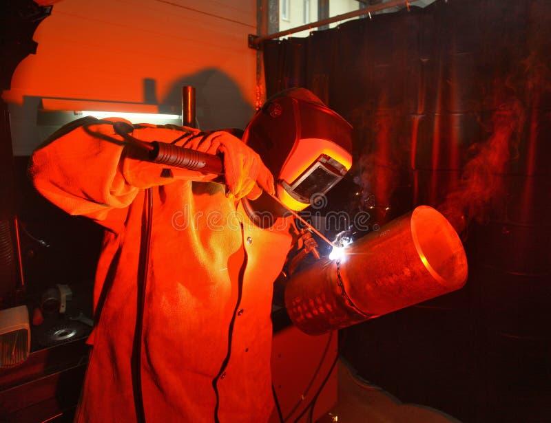 管道焊接在专业技能的竞争的 库存照片