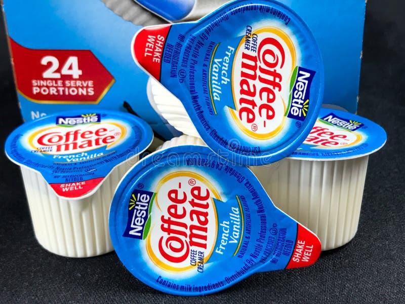 箱咖啡非伙伴法国香草牛奶店盛奶油小壶 库存图片
