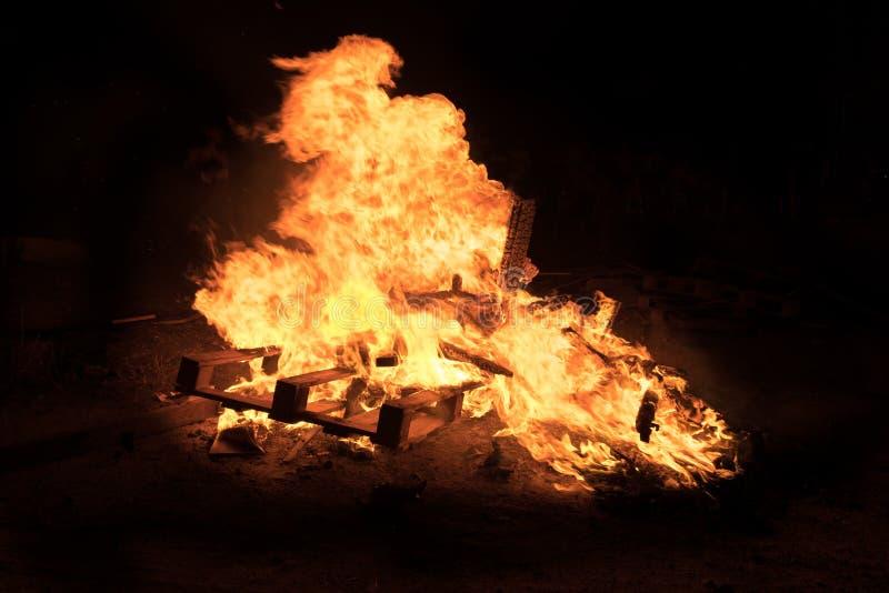 篝火照明设备犹太假日滞后Baomer 库存照片