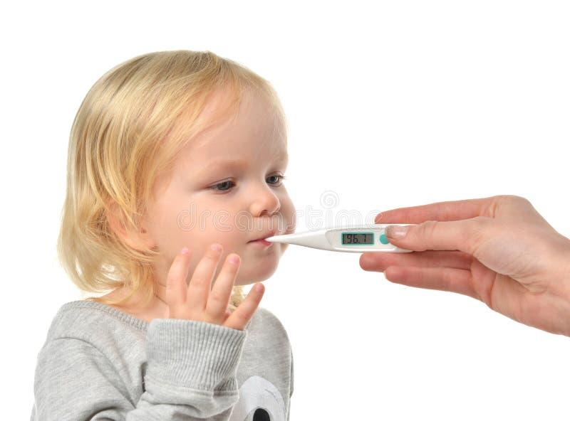 篡改手测量的温度对小小孩儿童孩子与 图库摄影