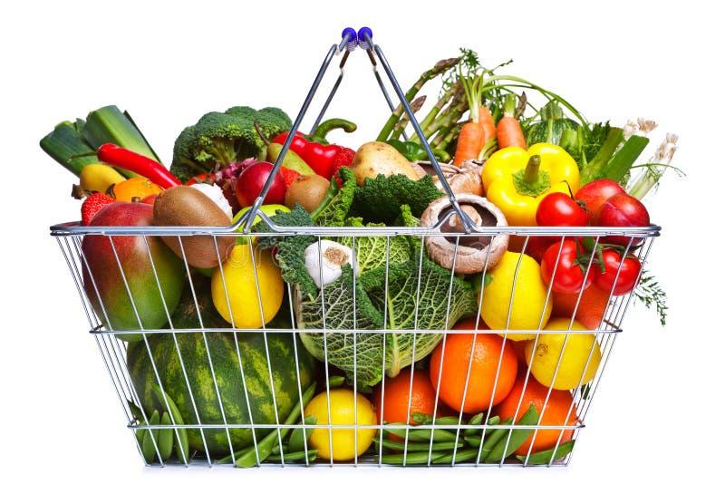 篮子果子查出空白的蔬菜 免版税库存照片