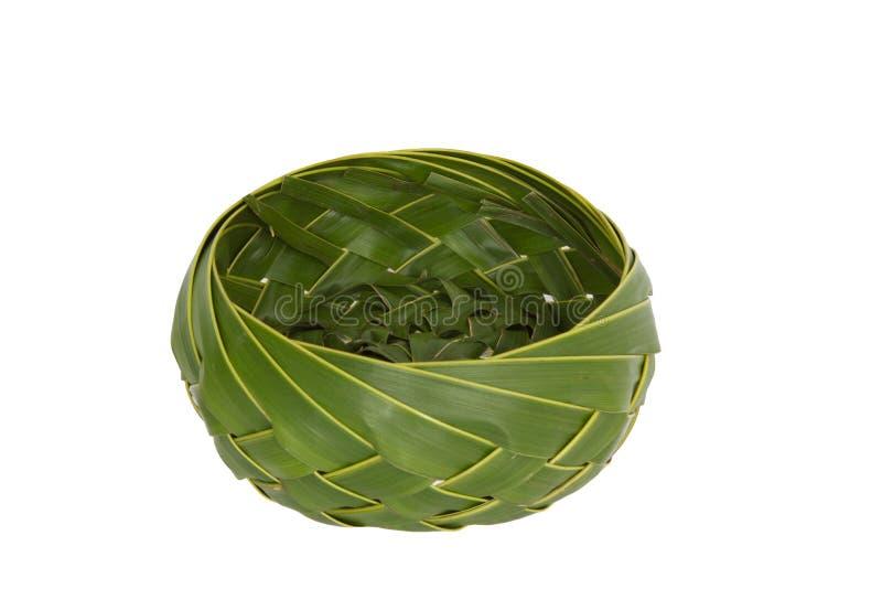 篮子椰子叶子椰子棕榈叶用手编织 时髦的泰国图片
