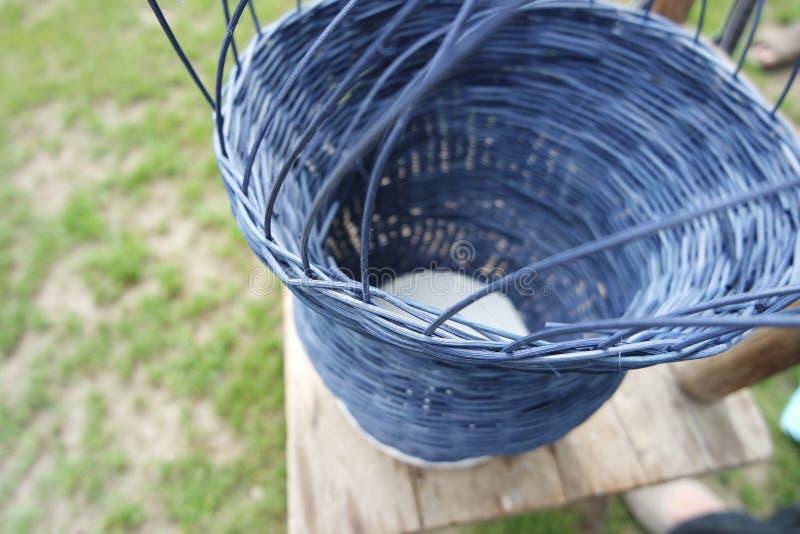 篮子编织法,编织品,蓝色篮子编织,爱好 库存照片