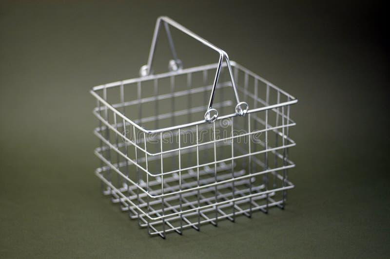 篮子镀铬物购物 免版税库存图片