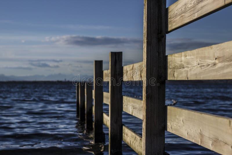 篱芭在太平洋 图库摄影
