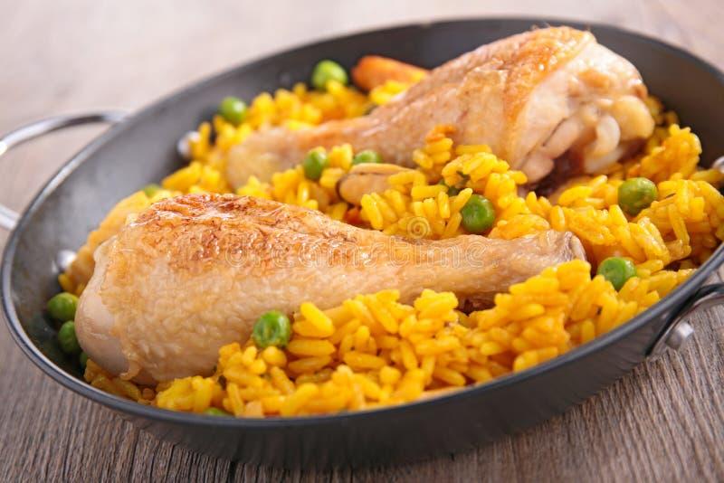 米、豌豆和鸡腿 库存照片