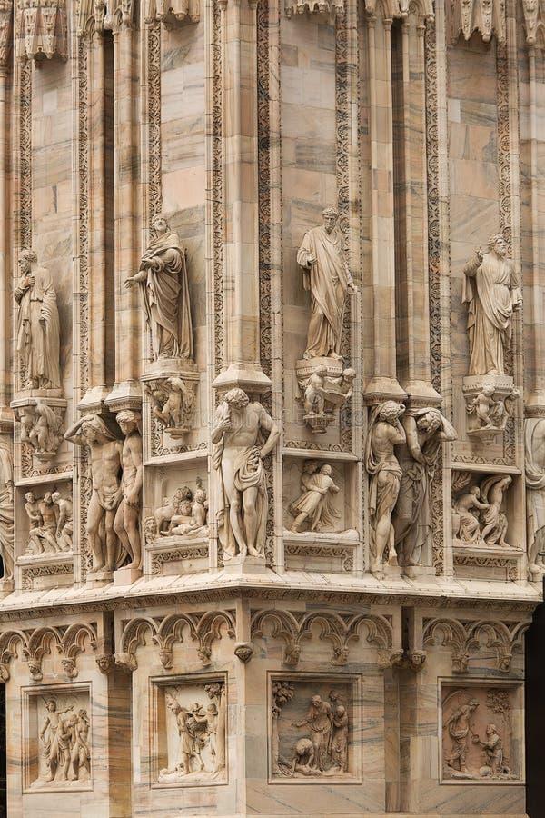 Download 米兰大教堂 库存图片. 图片 包括有 布琼布拉, 美国鹅掌楸, 拱道, 哥特式, 宗教信仰, 意大利语, 意大利 - 59107051