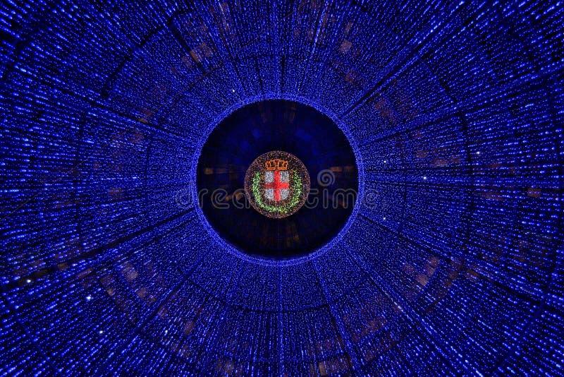 从米兰的圣诞灯装饰 免版税库存图片