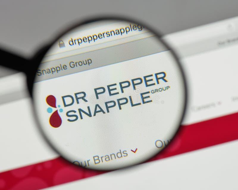 米兰,意大利- 2017年8月10日:Pepper Snapple Group博士商标 免版税库存图片