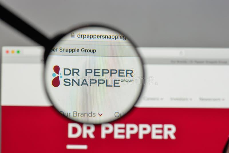 米兰,意大利- 2017年8月10日:Pepper Snapple Group博士商标 免版税库存照片