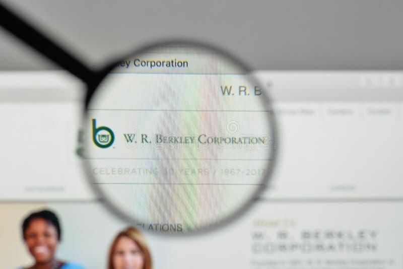 米兰,意大利- 2017年11月1日:W r 在websit的Berkley商标 库存照片