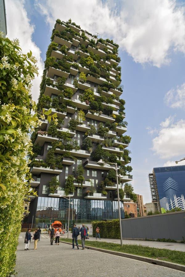 米兰,意大利- 2017年5月28日:博斯科Verticale垂直的森林l 免版税库存照片