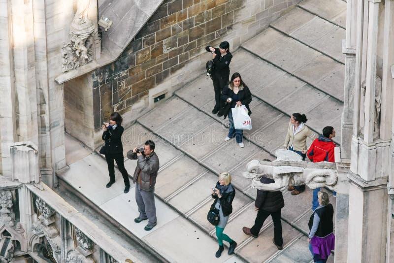 米兰, ITALY/EUROPE - 2月23日:拍摄竞争的人们 免版税图库摄影