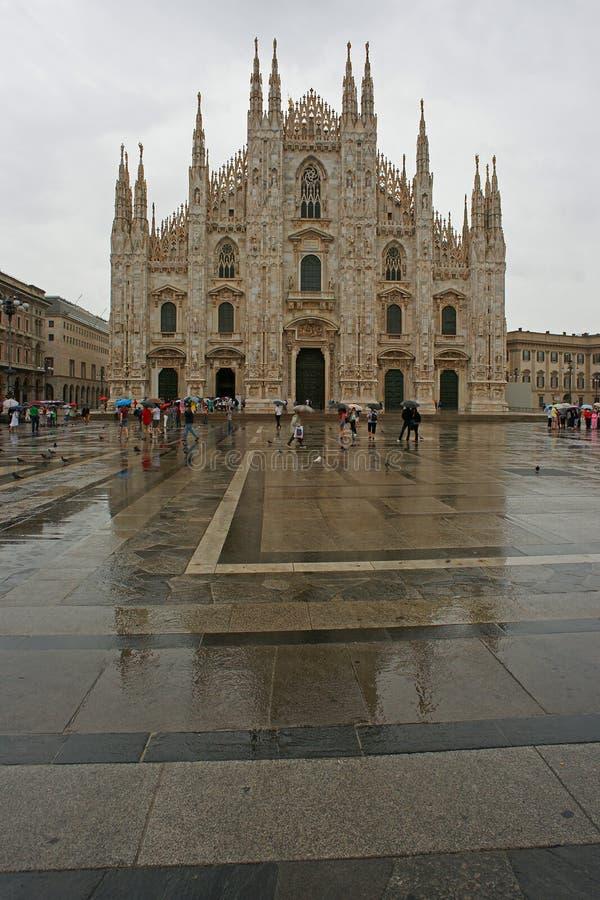 米兰, Piazza del Duomo中央寺院  免版税库存照片