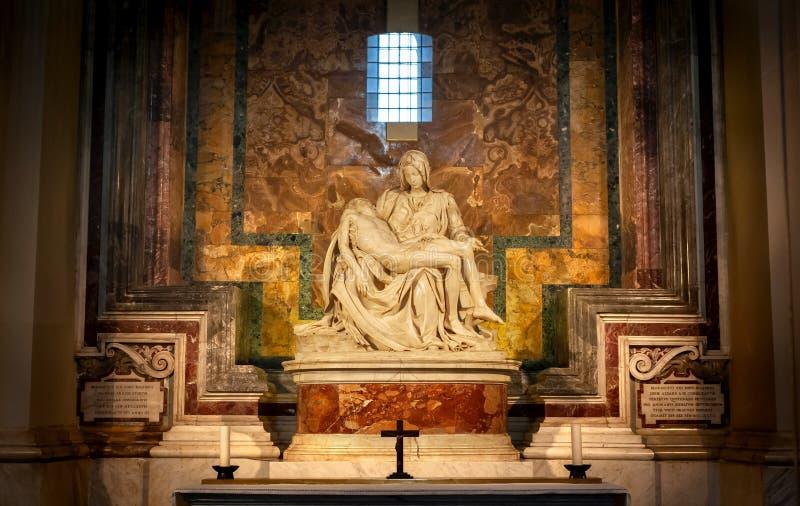 米开朗基罗笔下的皮埃塔,罗马梵蒂冈圣彼得大教堂 免版税库存照片