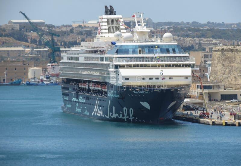 米恩希夫赫兹游轮被停泊在瓦莱塔的港口 免版税库存照片