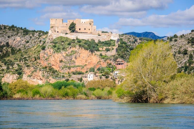 米拉韦城堡在卡塔龙尼亚,西班牙 免版税库存照片