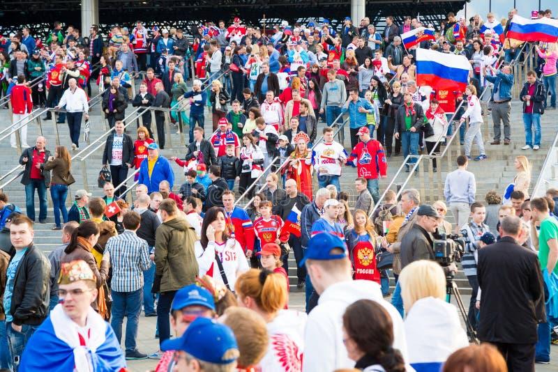 米斯克,白俄罗斯- 5月9 -俄国爱好者在前面 免版税库存图片