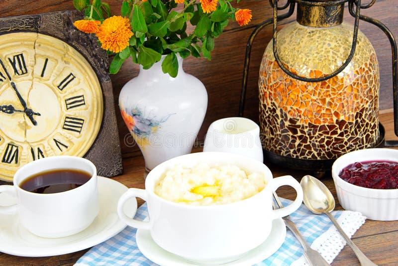 Download 米粥用甜黄油、果酱和咖啡 库存照片. 图片 包括有 陶器, 欧洲, 成份, 膳食, 谷物, 材料, 烹调 - 62530102