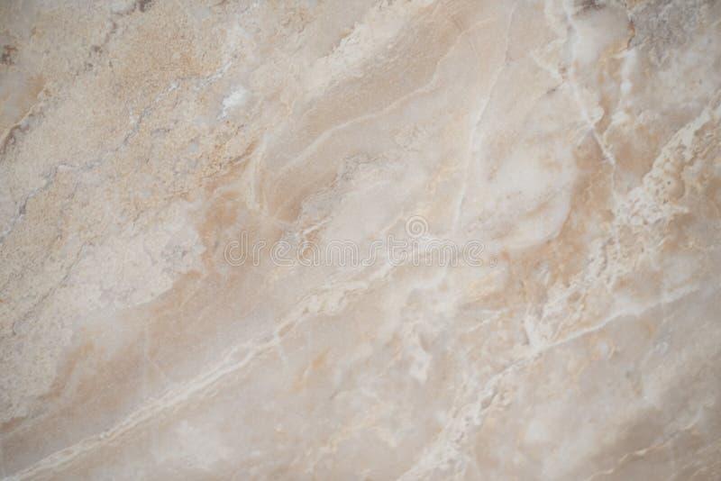 米黄美好的大理石背景 白色大理石大理石表面上的镇压为做陶瓷柜台,白光纹理 免版税库存照片