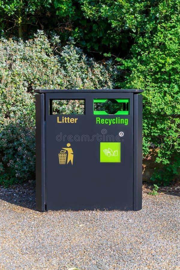 类型划分的回收站分离废物 库存图片