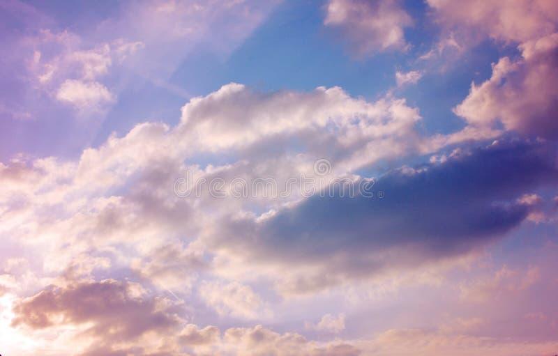 粉红彩笔云彩,美好的五颜六色的cloudscape 图库摄影