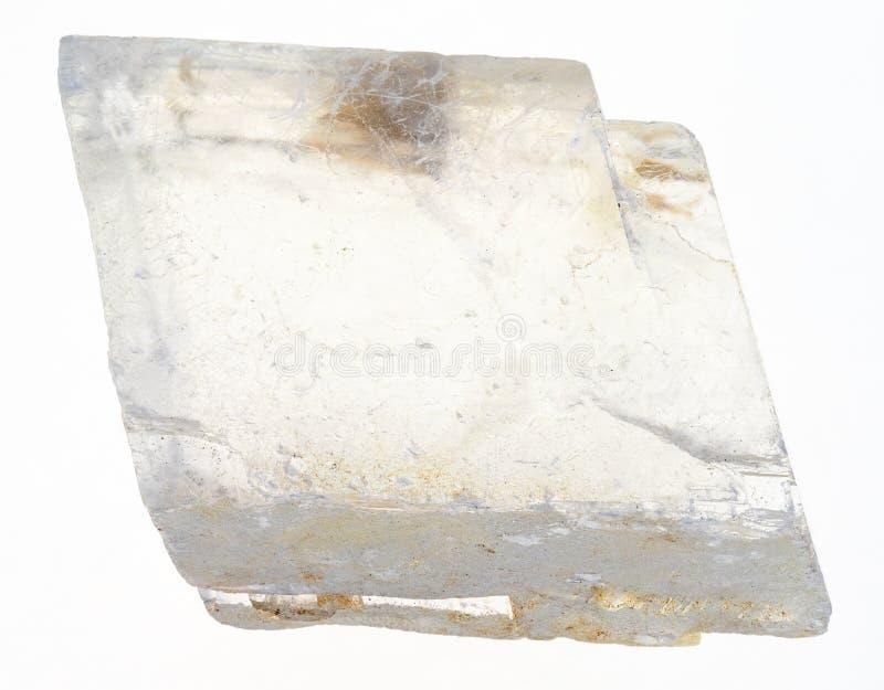 粗砺的冰岛水晶(冰洲石)在白色 库存图片