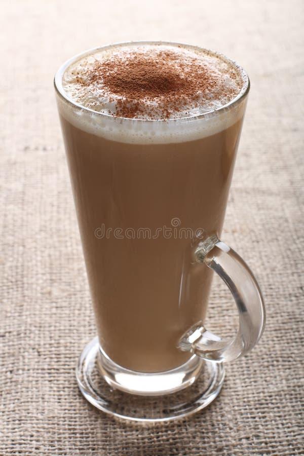 粗麻布咖啡馆画布咖啡latte 免版税库存图片