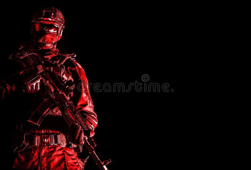 精华警察作战弹药的小队成员 库存图片