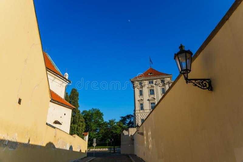 精密老街道在布拉格普拉哈 免版税库存图片