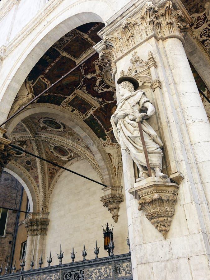 精心制作的步行拱廊,锡耶纳,意大利 免版税库存图片