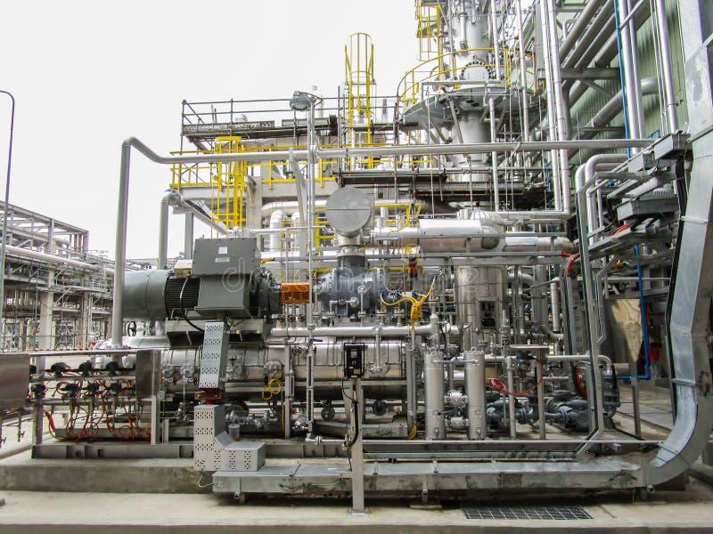 Download 精炼厂 库存照片. 图片 包括有 蒸馏, 黄昏, 结构, 燃料, 复制, 人们, 天空, 管道, 气体, ,并且 - 72354000
