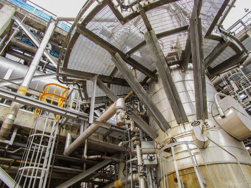 Download 精炼厂 库存照片. 图片 包括有 工厂, 人们, 红色, 饱和, 燃料, 蓝色, 荷兰, 复制, 精炼厂 - 72356522
