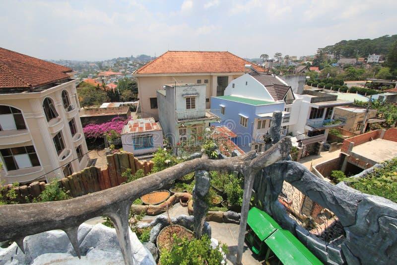 精神病院在越南市,大叻.专项,设计.装饰装修幻想设计乙级资质证书图片