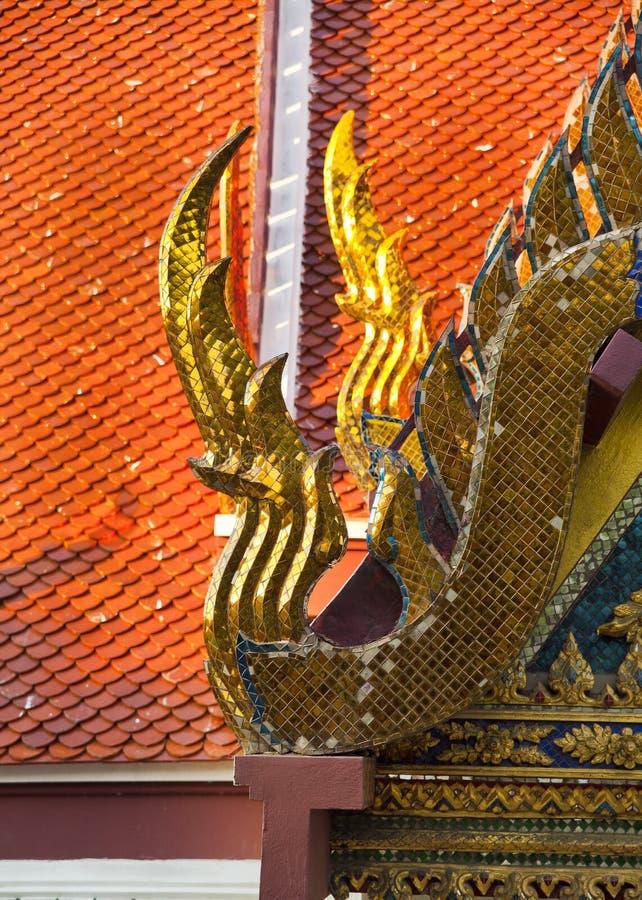 精美泰国艺术屋顶 免版税库存图片