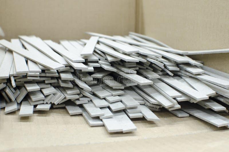 精装书生产细节在胶印植物中 免版税图库摄影