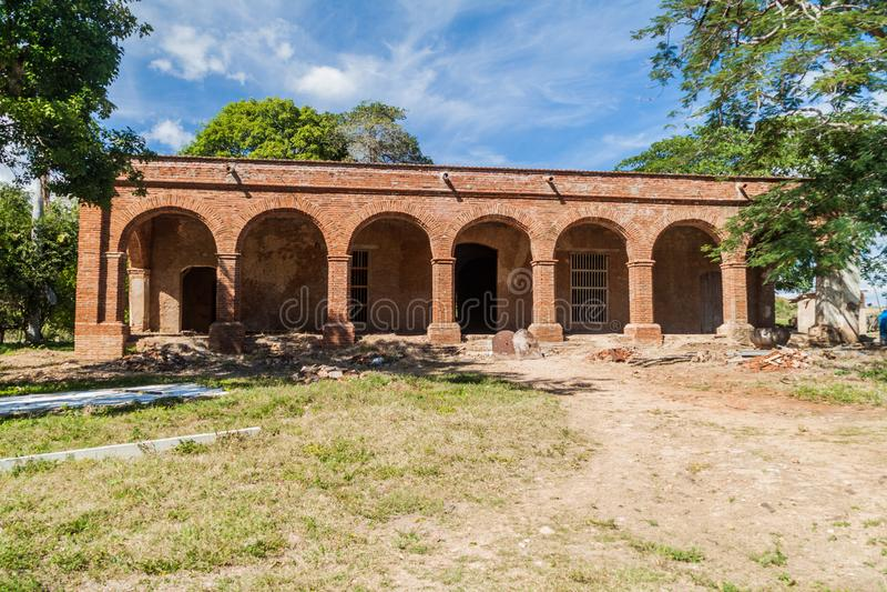 糖厂圣伊西德罗de在洛斯因赫尼奥斯山谷谷在特立尼达附近,古芝的los Destiladeros主楼  免版税库存照片