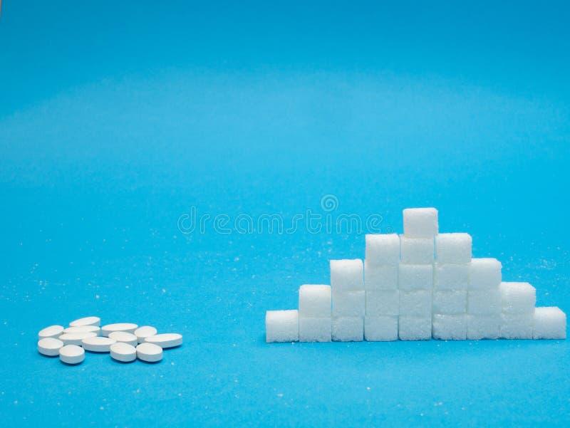 糖替换小药片对精制糖 免版税图库摄影
