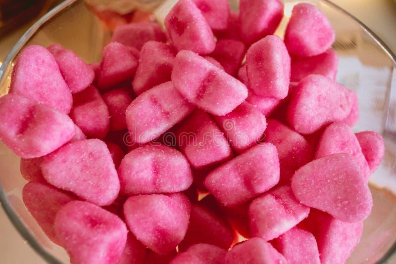 糖果和甜点在一个自由婚姻的酒吧 库存图片