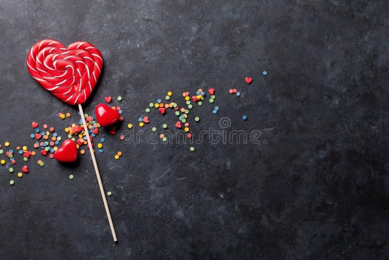 Download 糖果心脏 库存照片. 图片 包括有 圣诞节, 棒棒糖, 食物, 靠山, 五颜六色, 降低, 混合, 蓝色 - 72361624