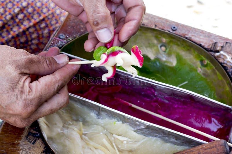 糖果泰国手工制造糖果以各种各样的形状 泰国艺术的样式 免版税库存图片